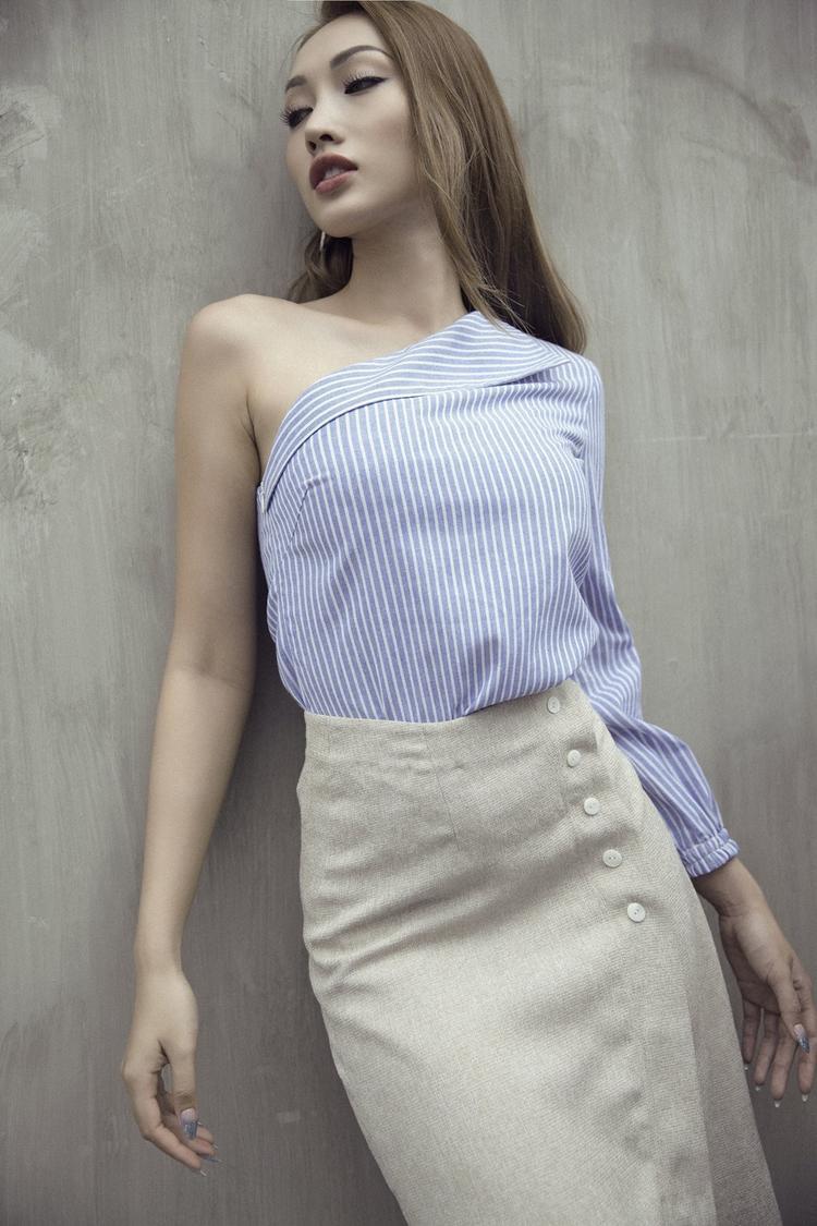 Tô Uyên Khánh Ngọc từng đoạt giải Đồng Siêu mẫu Việt Nam năm 2013 và hai lần được chọn tham gia Siêu mẫu Châu Á.