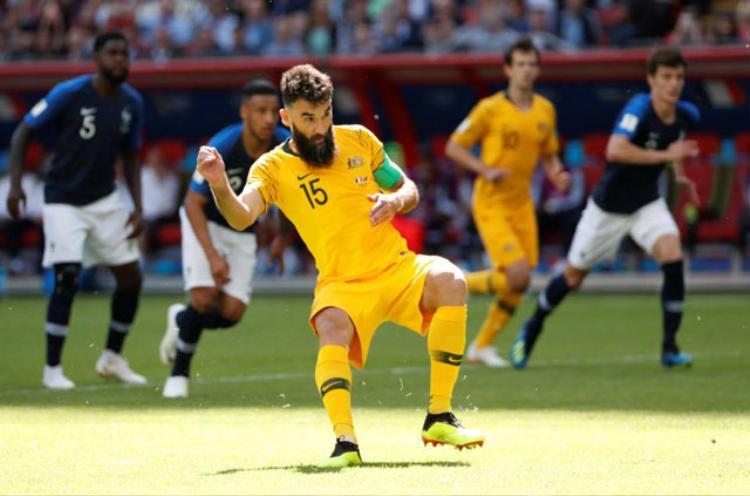 Tiền vệ Mile Jedinak của Australia đã thực hiện thành công 2 quả phạt đền ở World Cup 2018. Ảnh: Getty.
