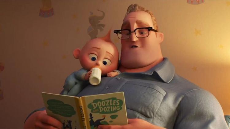 Bé Jack-Jack thích được bố Bob đọc truyện cổ tích trước khi ngủ.
