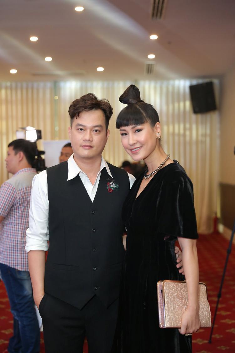 Đạo diễn Bảo Nhân và cố vấn diễn xuất Kathy Uyên.
