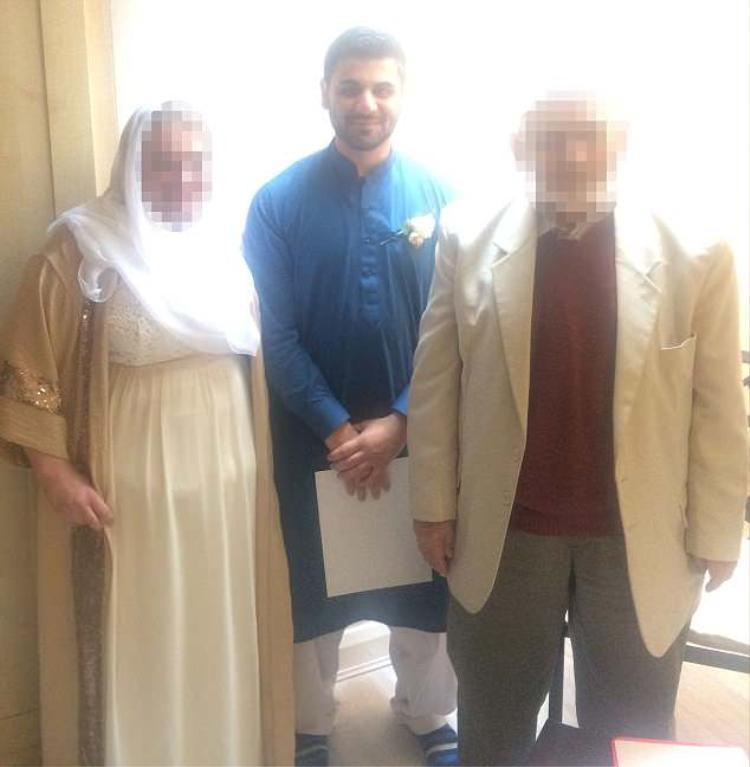 Cặp đôi đã quyết định tổ chức đám cưới tại nhà một người Hồi giáo ở London.