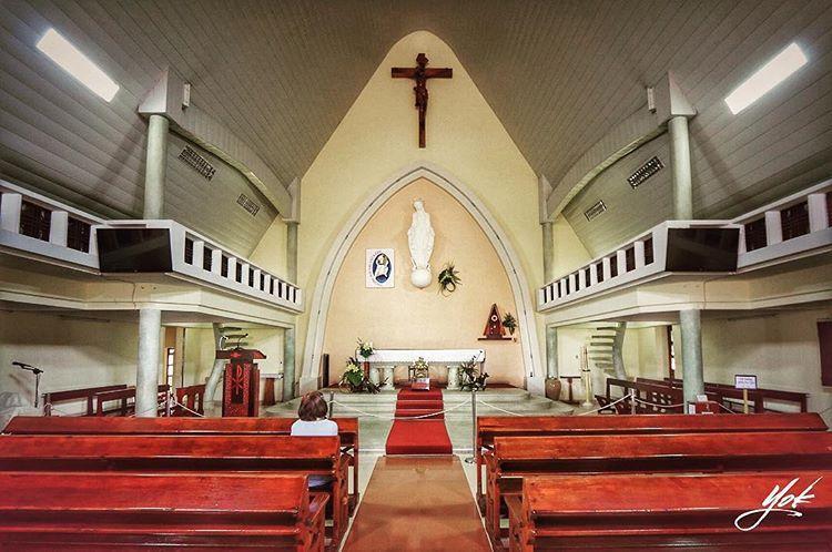 Cách trung tâm Đà Lạt khoảng 1km, nhà thờ này còn được gọi với 1 cái tên khác là Lãnh địa Đức Bà. Nhà thờ gồm 2 cụm kiến trúc nhà nguyện và hai dãy nhà của tu viện nữ tử Bác Ái Thánh Vinh Sơn. @yoky_jirappai