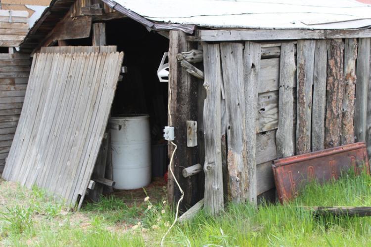 Nhà của chú ngựa Sugar, mascot không chính thức của thị trấn giờ đã để hoang
