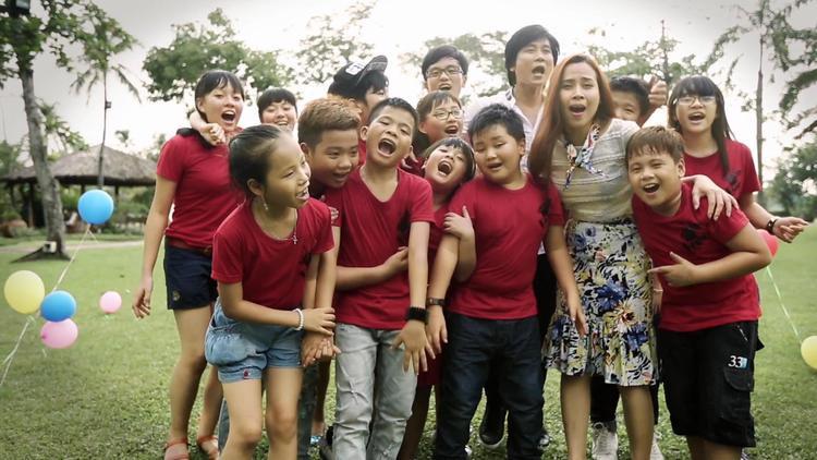 Giọng hát Việt nhí: Điểm lại những HLV nghiêm khắc nhưng yêu thương thí sinh vô đối!