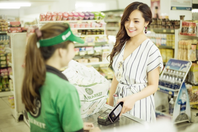 Samsung Pay được cài đặt sẵn trên hầu hết các dòng smartphone cao cấp và cận cao cấp của Samsung.