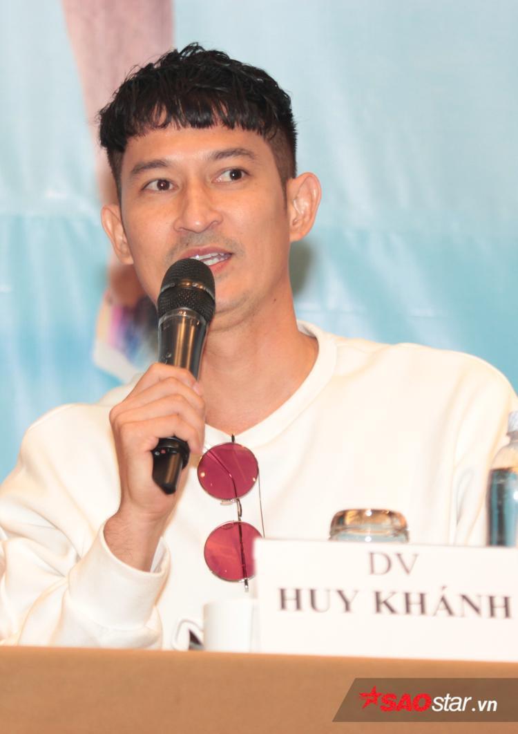 Huy Khánh.