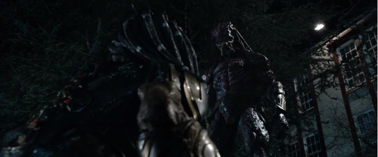 Tạo hình cao lớn, đáng sợ của Predator tiến hóa.