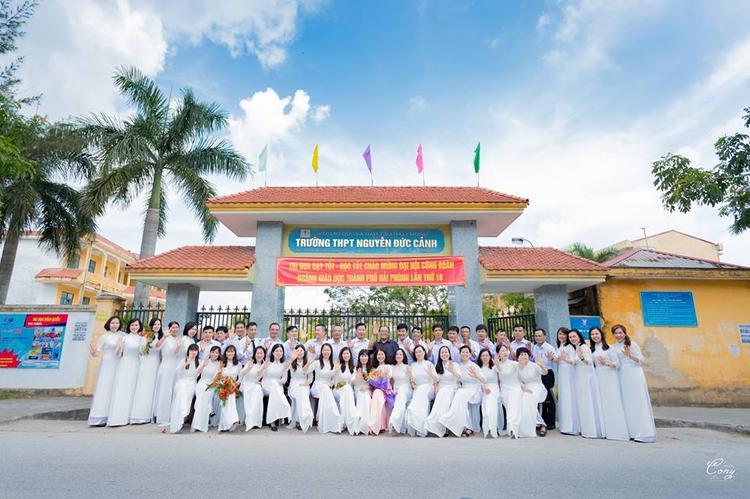 Bộ ảnh được thực hiện tại trường THPT Nguyễn Đức Cảnh- Hải Phòng