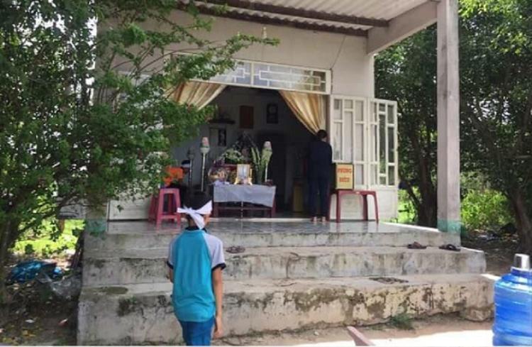 Gia đình tổ chức tang lễ cho bé Vy. Ảnh: Vietnamnet.