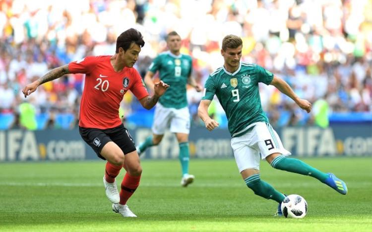 ĐT Đức gặp rất nhiều khó khăn trước Hàn Quốc. Ảnh: Fifa.com.