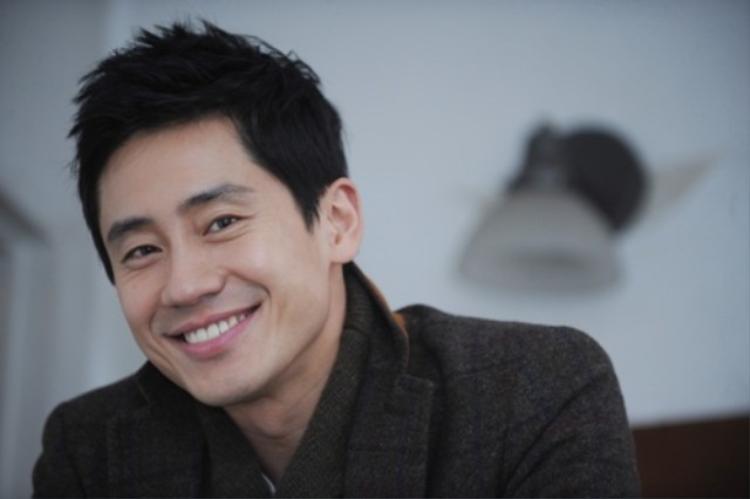 Shin Ha Kyun.
