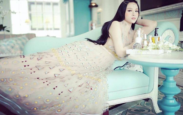 Chiếc đầm voan ngọt ngào này xuất hiện trong 1 shoot hình thời trang trước đó.