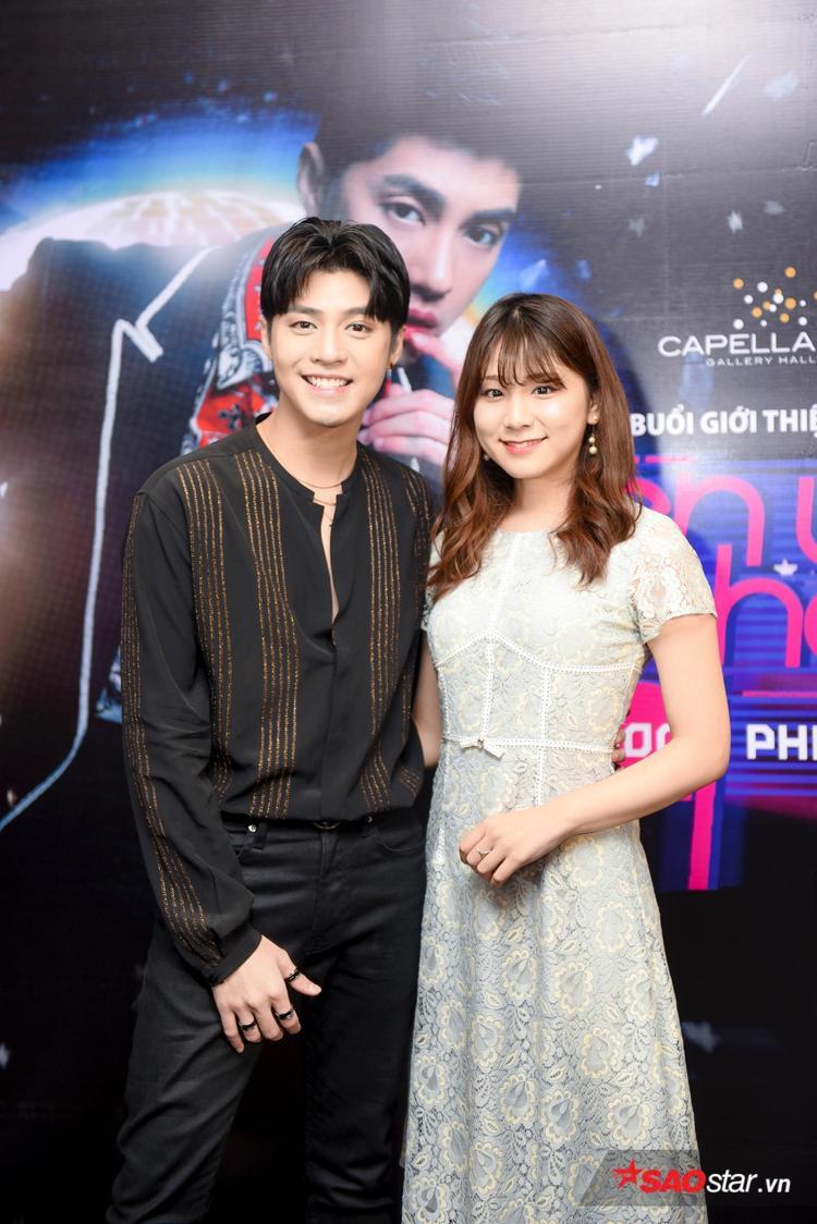 Cô bạn gái người Nhật cũng đến ủng hộ nam HLV Giọng hát Việt 2018.