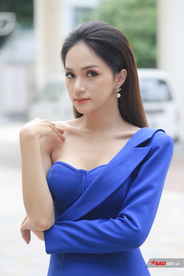 Hương Giang xuất hiện tại chương trình.