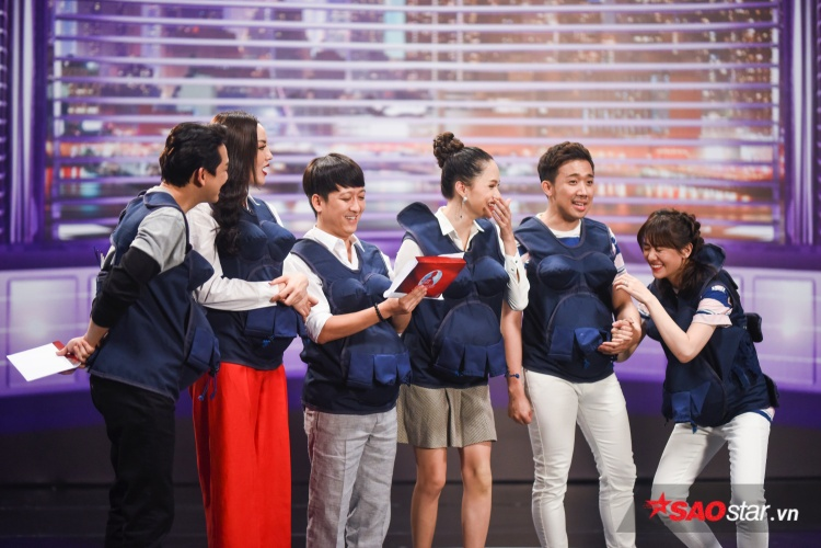 Hari Won tiết lộ tuổi thơ cơ cực, bật khóc tự trách bản thân trước Trấn Thành