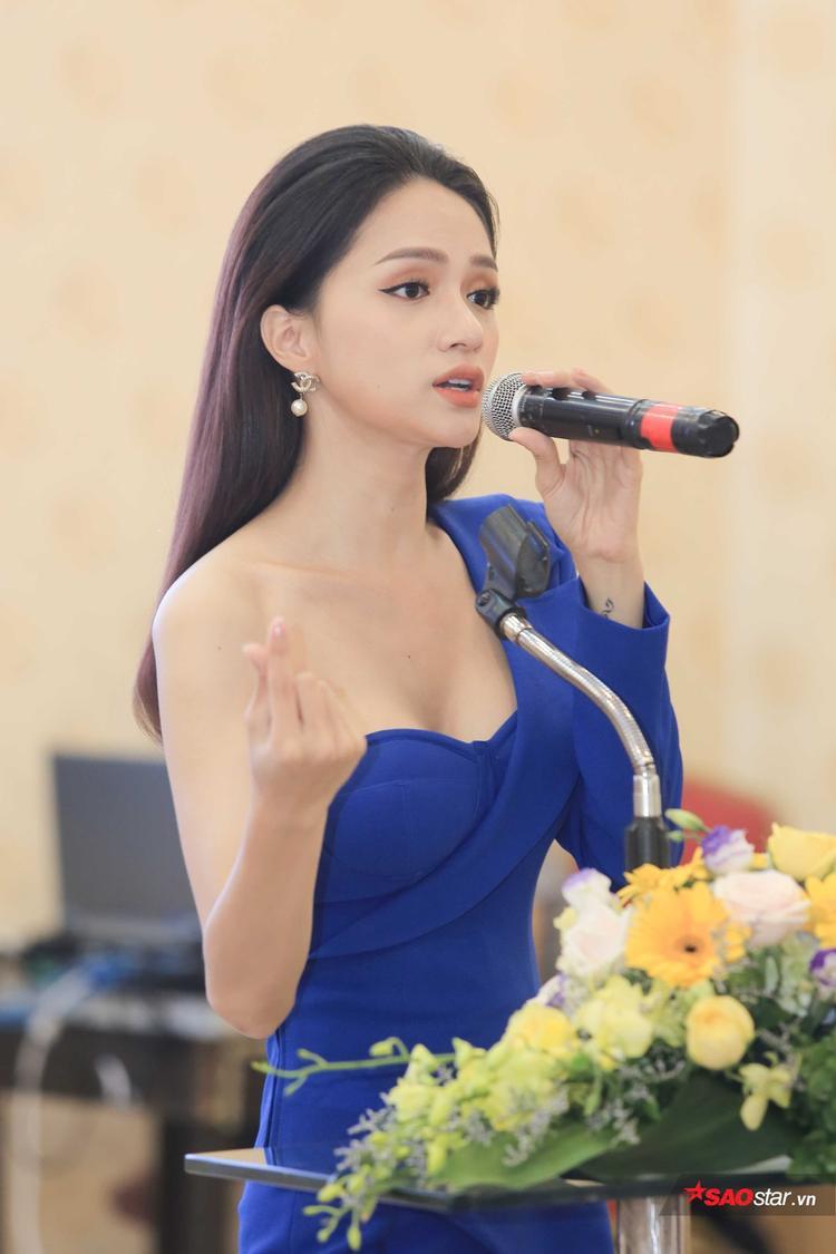 Người đẹp gốc Hà Nội khởi động chiến dịch thu thập chữ kỹ từ cộng đồng để gửi thư ngỏ tới Bộ Y tế và Quốc hội.