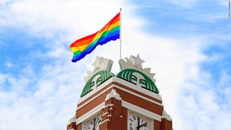 Starbucks hỗ trợ chi phí phẫu thuật cho các nhân viên chuyển giới