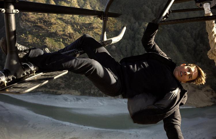Phòng vé tháng Bảy, cuộc đối đầu của 4 quý ông: Ant-Man, Tom Cruise, Henry Cavill và The Rock