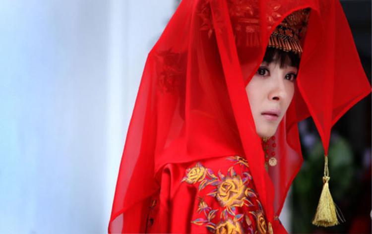 Xét về số lần mặc váy cưới trên màn ảnh, Dương Mịch phải nằm trong top những ngôi sao diện trang phục tân nương nhiều nhất