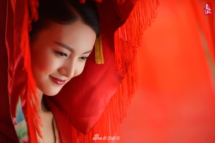 Nụ cười e lệ, xinh đẹp của cô dâu Kim Thần làm xao xuyến bao trái tim