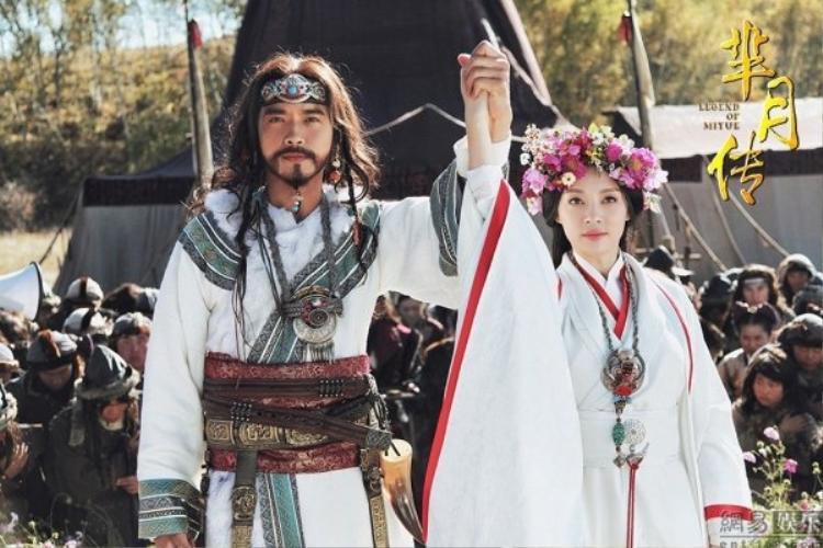 Và em gái Mị Xu - Tôn Lệ với váy cưới màu trắng lạ mắt nhưng khí chất ngời ngời