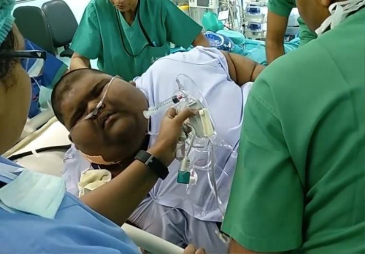Em tìm đến phương pháp phẫu thuật thu nhỏ dạ dày và đã giảm được khá nhiều cân.