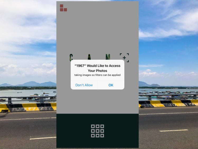 Khi bạn chọn Chỉnh sửa ảnh có sẵn từ thư viện, ứng dụng cũng sẽ đòi hỏi bạn quyền truy cập Camera Roll, lúc này hãy nhấn OK.
