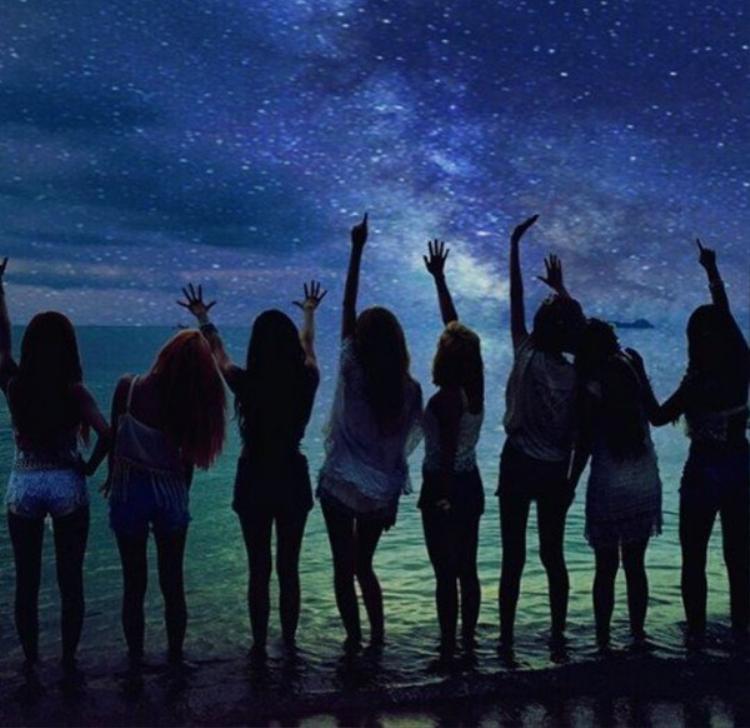 Và đây là hình ảnh MV Party của SNSD.
