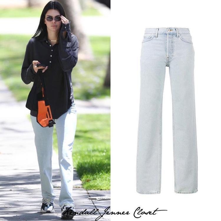 """Chiếc quần jean bạc màu tưởng từ thời """"ông bà anh"""" này chỉ khoảng 325 đô (7,4 triệu đồng) thôi."""
