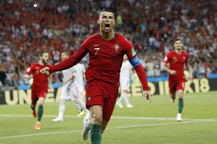 Tỏa sáng tại World Cup, Ronaldo vẫn sắp rời khỏi Real Madrid với giá 120 triệu Euro
