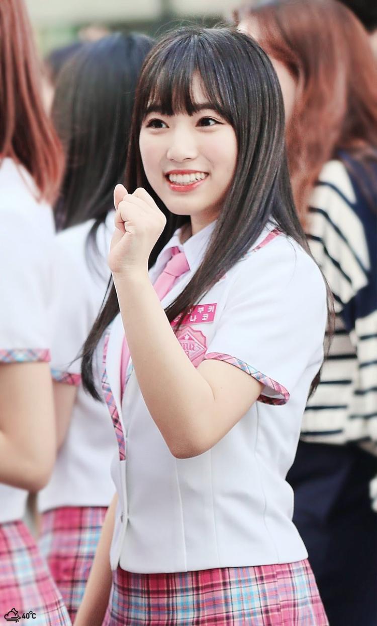 Nako chinh phục được các khán giả tại trường quay, khiến họ phải vote cho mình bằng giọng hát ngọt ngào, thực hiện nốt cao một cách mượt mà, tròn trịa dù chỉ mới 17 tuổi.