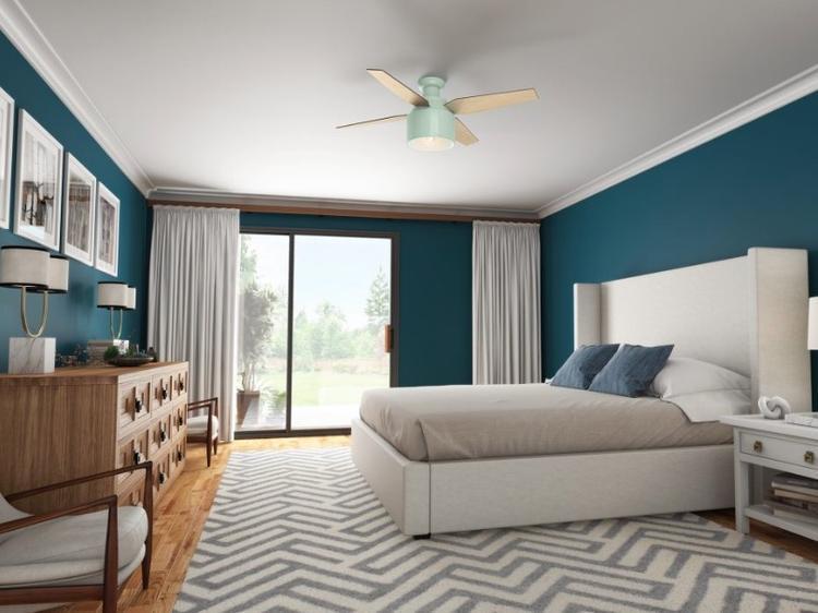 Chiếc quạt trần Cranbrook Mint của Hunter với giá 249 USD (khoảng 5,7 triệu) sẽ mang một chút màu sắc tới cho không gian sống của bạn. Thiết kế khá lạ mắt của chiếc quạt này phù hợp với các không gian như phòng ngủ, phòng của trẻ nhỏ.