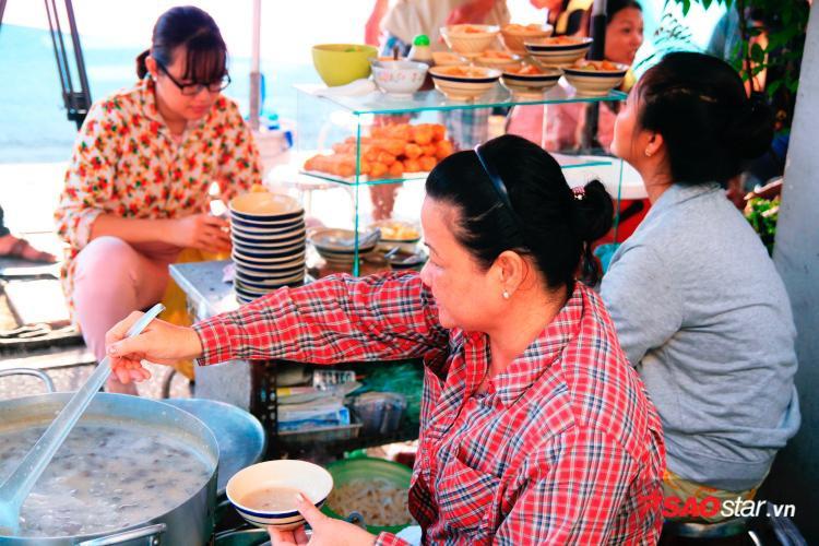 5.000 đồng đổi được bữa ăn ngon lành thế này, coi bộ Sài Gòn khó à nghen!