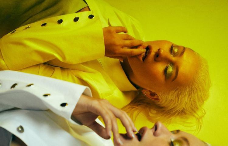 Nếu có hết thời thì hãy chọn cách sang chảnh được như Christina Aguilera!