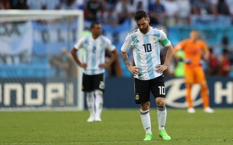 Trận thua trước ĐT Pháp dường như sắp trở thành dấu chấm hết cho sự nghiệp thi đấu quốc tế của Messi. Ảnh: Fifa.com.