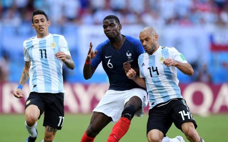 Mascherano trở thành mắt xích yếu nhất của ĐT Argentina tại World Cup lần này. Ảnh: Fifa.com.