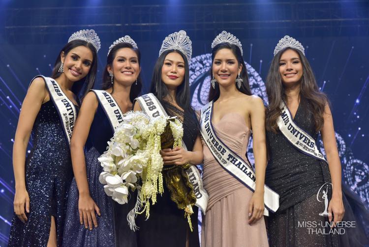 Người được khán giả kỳ vọng đoạt ngôi hoa hậu chỉ giành được danh hiệu á hậu 3 (ngoài cùng bên trái).