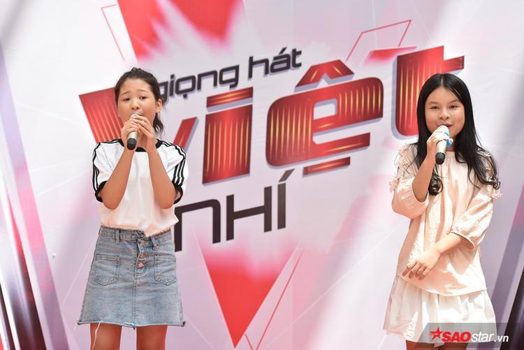 Ngay sau đó, Ngọc Ánh cùng Hồng Thư tiếp tục gửi đến các vị phụ huynh cùng thí sinh tham gia buổi casting màn song ca vô cùng đáng yêu.