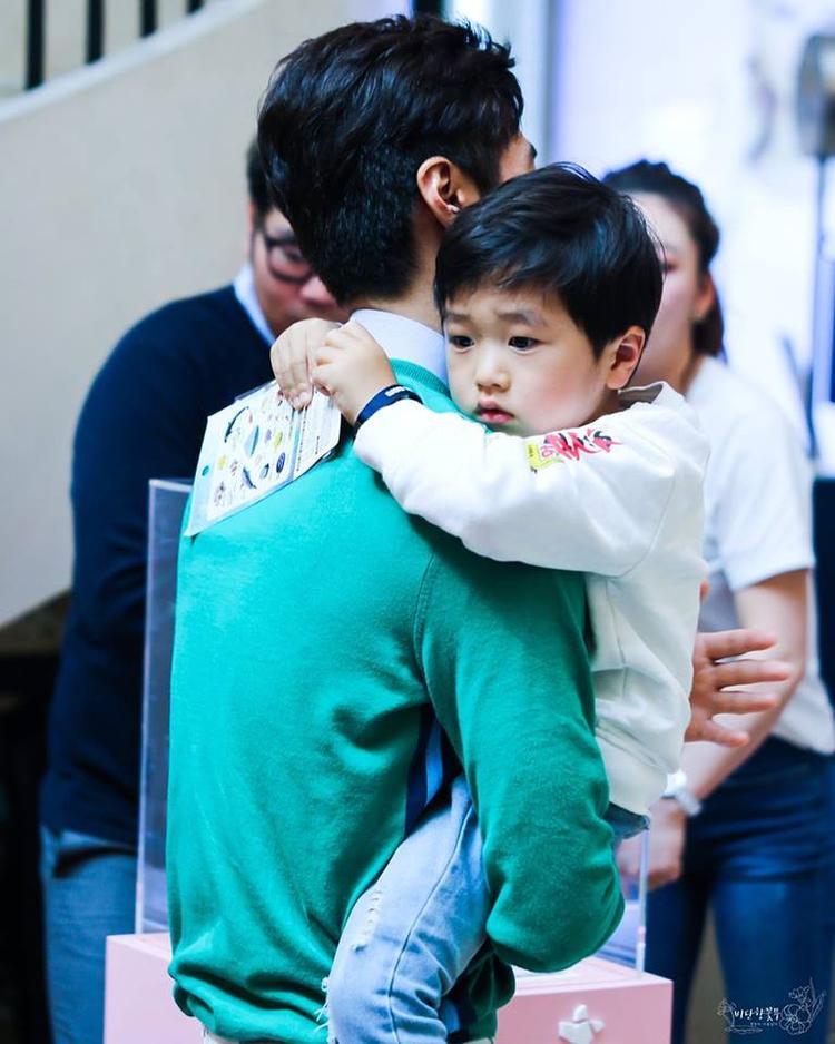 Ko Seung Jae, con trai của cựu thành viên nhóm nhạc nam Sechkies - Ko Ji Young.