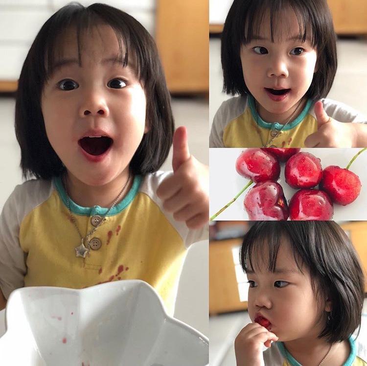 Bé Kim Ro Hee, con gái nữ ca sĩ kiêm diễn viên Eugene và Kim Tae Young.