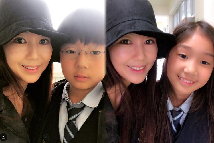 """Vợ và con của nhà sản xuất âm nhạc Yoon Jong Shin, anh được khán giả Việt Nam biết đến thông qua chương trình thực tế """"Family Outing""""."""