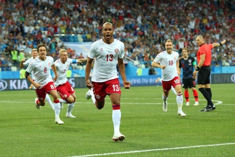 Trung vệ Jorgensen mở tỉ số cho Đan Mạch ở phút thứ 1. Ảnh: Fifa.com.