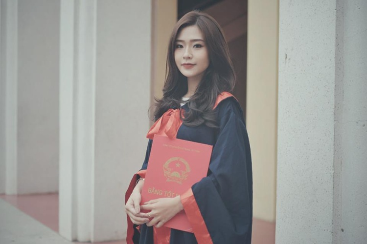 """Sở hữu gương mặt xinh xắn, sắc sảo, Huyền có nét tương đồng với Baifern Pimchanok - một nữ diễn viên Thái Lanđược mệnh danh là""""ngọc nữ màn ảnh Thái""""."""