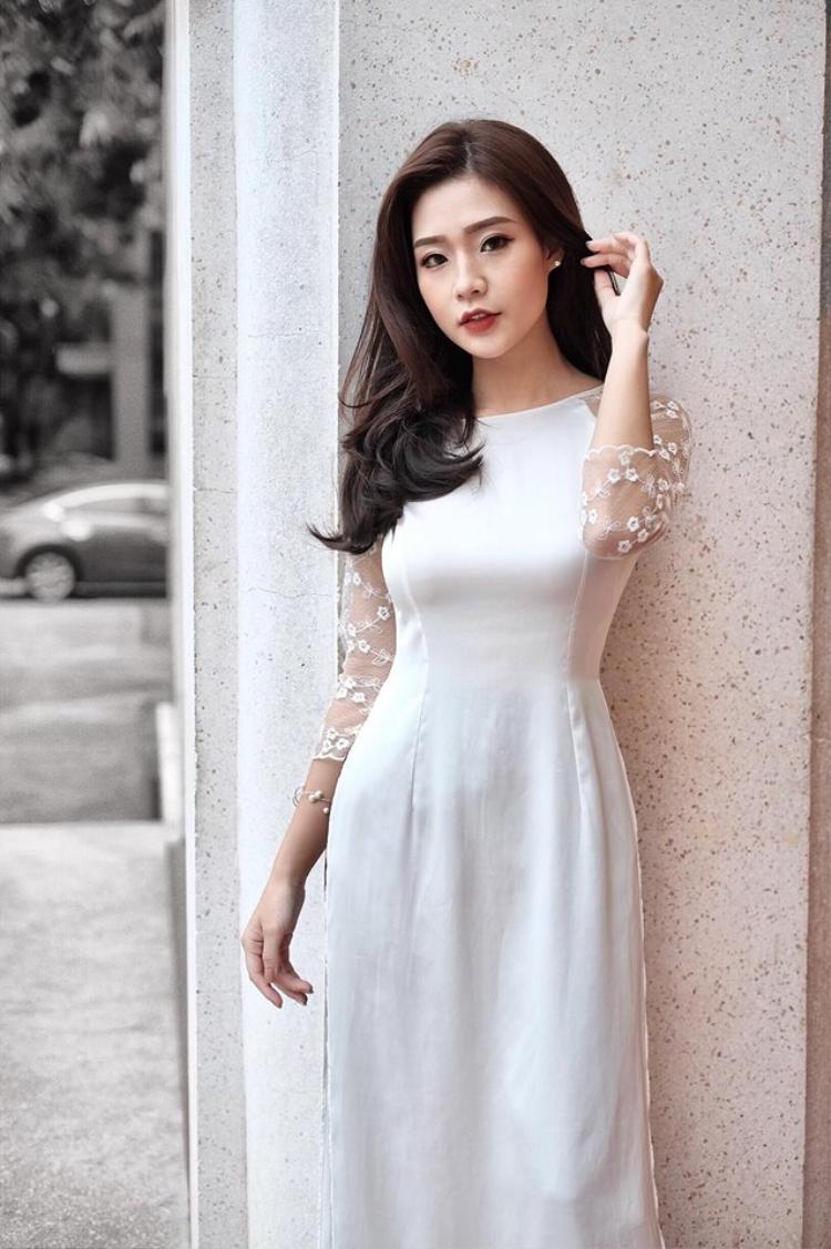 Sở hữu thân hình mảnh mai, cao ráo cùng gu thời trang thời thượng, Thanh Huyền là gương mặt quen thuộc của các nhãn hàng có tiếng