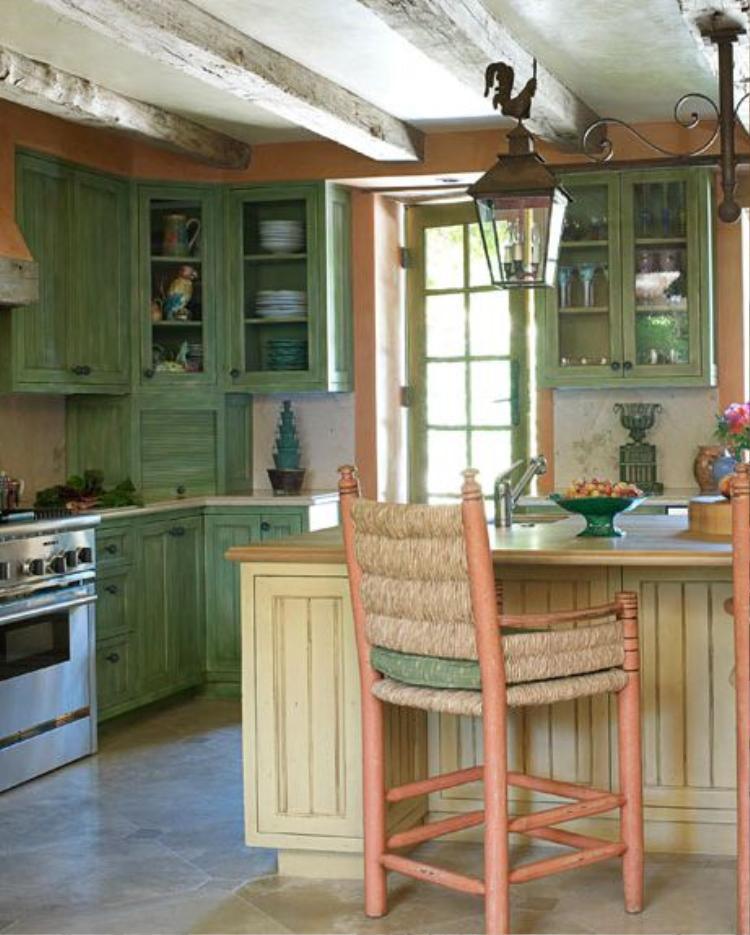 Một không gian giống như trong các câu chuyện cổ tích. Những màu xanh khá cổ điển trong thiết kế của căn bếp này.