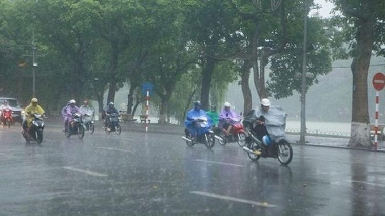 Ngay lúc này, người Thủ đô cần lắm một cơn mưa.
