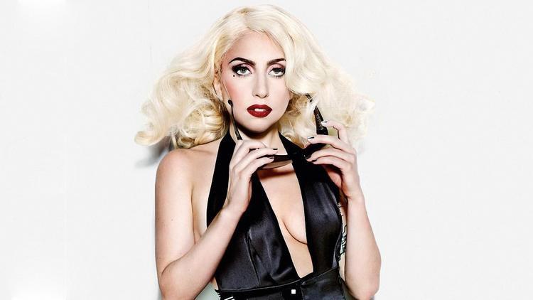 Thực hư về chuyện Lady Gaga rủ rê Miley Cyrus vào phòng thu: một cơn bão chuẩn bị đổ bộ?