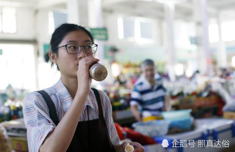 Sinh viên ở trọ những ngày nắng nóng 40 độ: Đến ăn thôi cũng nuốt không nổi!