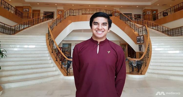 Syed Saddiq sở hữu tài khoản Instagram với gần 1 triệu người theo dõi. Anh là người trực tiếp dẫn dắt các phiên trả lời livestream Facebook của lãnh đạo Malaysia nhằm hồi đáp câu hỏi từ những người trẻ thuộc mọi tầng lớp xã hội. Ảnh: CNA