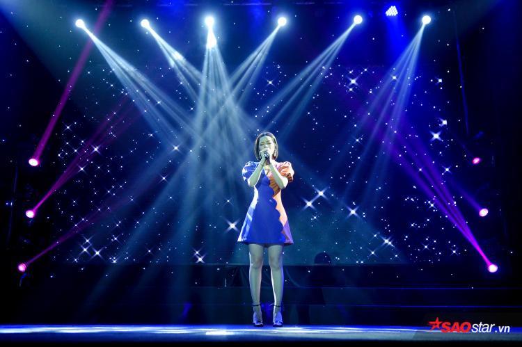 Chi Pu gửi tặng khán giả ca khúc Tôi vẫn hát như một sự khẳng định cô sẽ tiếp tục kiên cường với đam mê của mình.